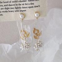clear sack pearl flower pierce