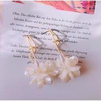 vintage flower pierce