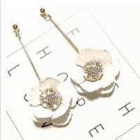white flower  long pierce