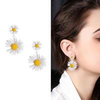 double marguerite pierce/earring