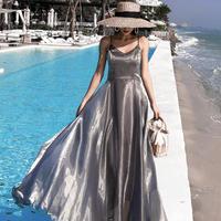 サテンバックレスロングドレス