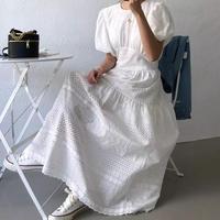 パフスリーブエレガントレースドレス
