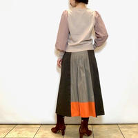 【Blue Greed/ブルーグリード】後ろ切り替えの台形チノスカート
