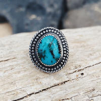 """KÃÏ"" wavy turquoise jewelry collection"