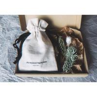 Gift Wrapping Box (B)