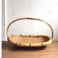竹の手付き籠