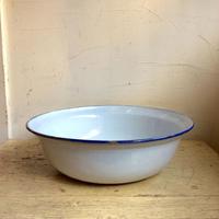 琺瑯の洗面器