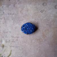 ビーズのミニオーバルブローチ・ブルー