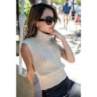 Short Rib Cable Knit OFF-WHITE