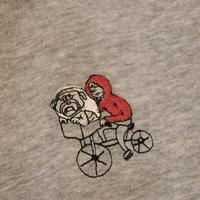 E.Tと思いきやブルドッグパーカー