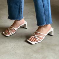 shoes-a02002 Square Front Cross Sandals