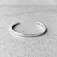 [INITIAL] Silver925 / ベーシックバングル / シルバー925/シンプル/ゆらぎのあるデザイン