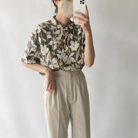 Stand collar flower shirt