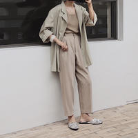 beige pants 1