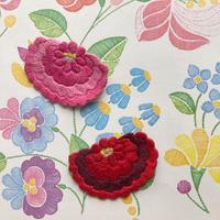 【ハンガリー刺繍キット】カロチャの大きなお花のブローチ