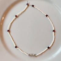 beads necklace_____