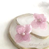 新色の紫陽花ピアス・イヤリング/ラベンダーピンクが美しく優しく見せる秘訣。プリザーブドフラワー、レジン加工/お誕生日・ご褒美に,