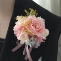 人気!桜色のバラ、紫陽花といちご草のプリザーブドフラワーコサージュ/卒業式・入学式・結婚式/ナチュラルテイスト