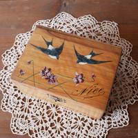 モシュリンヌ ツバメ 木の宝石箱 フランスアンティーク