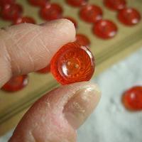 チェコガラスレッドボタン  直径13mm f-614