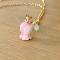 すずらんのネックレス - queen conch shell & prehnite -