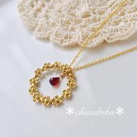 asian flowers〜 ゴールドの花冠とガーネットのペンダント
