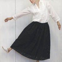 point de Japon / Geometric Eyelet Skirt / Black