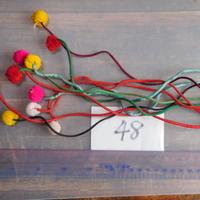 アジア民族衣装 はぎれ リス族ボンボンno.48  30センチ紐 10本セット 刺繍布 山岳民族 タイ 手芸材料 古布 手縫い紐 奇跡