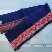 モン族のスカートのボーダー布 no.39  16 x90-100cm 麻布混 Hmong embroidery needlework はぎれ ラオス タイ