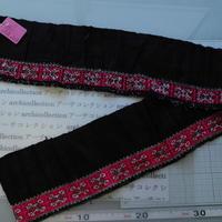 モン族のスカートのボーダー布 no.28  13 x90-100cm 麻布混 Hmong embroidery needlework はぎれ ラオス タイ