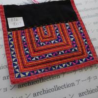モン族の襟飾り no.72  18x17 cm  Hmong embroidery needlework はぎれ ラオス タイ