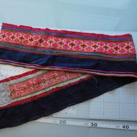 モン族のスカートのボーダー布 no.54  14 x90-100cm 麻布混 Hmong embroidery needlework はぎれ ラオス タイ