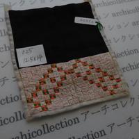 モン族の襟飾り no.25  12.5x14 cm  Hmong embroidery needlework はぎれ ラオス タイ