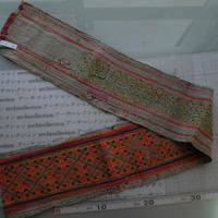 モン族のスカートのボーダー布 no.4  14 x90-100cm 麻布混 Hmong embroidery needlework はぎれ ラオス タイ