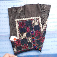 STORES ウズベク族 渦巻き刺繍布NO.14 24X25 CM ウズベキスタン 中央アジア 民族衣装 手仕事 袖 はぎれ