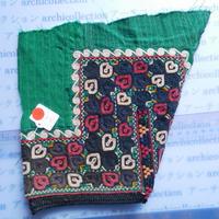 STORES ウズベク族 渦巻き刺繍布NO.2 25X21 CM ウズベキスタン 中央アジア 民族衣装 手仕事 袖 はぎれ