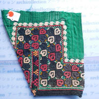 STORES ウズベク族 渦巻き刺繍布NO.1 21X22 CM ウズベキスタン 中央アジア 民族衣装 手仕事 袖 はぎれ