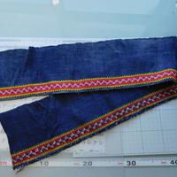 モン族のスカートのボーダー布 no.53  14 x90-100cm 麻布混 Hmong embroidery needlework はぎれ ラオス タイ