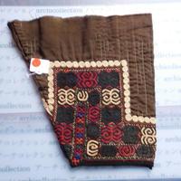 STORES ウズベク族 渦巻き刺繍布NO.15 25X26 CM ウズベキスタン 中央アジア 民族衣装 手仕事 袖 はぎれ