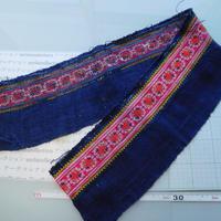 モン族のスカートのボーダー布 no.40 16 x90-100cm 麻布混 Hmong embroidery needlework はぎれ ラオス タイ