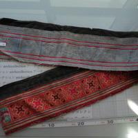 モン族のスカートのボーダー布 no.3  16 x90-100cm 麻布混 Hmong embroidery needlework はぎれ ラオス タイ
