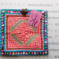 Hmong モン族 カラフルポーチno.9  15x15 cm 刺繍布 古布 山岳民族 hilltribe ラオス タイ