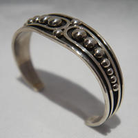 "indian jewelry ""johnathan nez (navajo)""silver drop bangle"