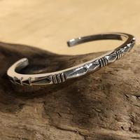 "indian jewelry ""Jennifer Curtis(navajo)"" square wire bangle(C)"
