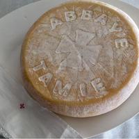 タミエ修道院のチーズ