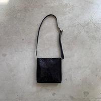 ARUMO  レザーショルダーバッグD /  ブラックスネークプリント