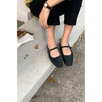 strap flat shoes/black[0028]