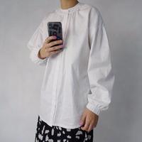 バングルスリーブホワイトシャツ