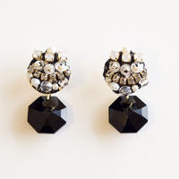 charm swarovski earring/pierce  col.black