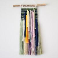 糸で色を作る -時計草-